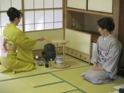 茶道体験の様子