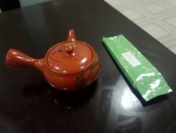お土産品のお茶と急須
