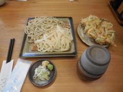 出来立てのうどん・そばと、大将特製の天ぷら